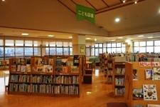 八尾ほんの森図書館